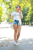 BAD style t-shirt - PERSUNMALL shorts - Ray Ban sunglasses - Converse sneakers