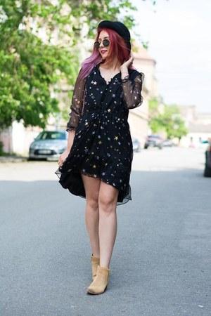 sam edelman boots - JollyChic dress