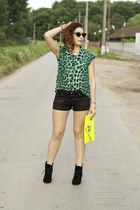 romwe shirt - BAD style boots - DIY shorts - Ray Ban sunglasses