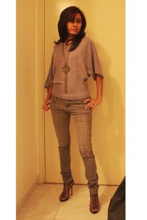 Splash top - Forever21 jeans - Splash shoes - Aldo necklace
