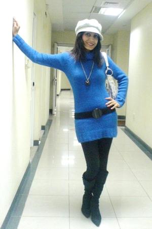 Random Dubai shop sweater - Primark belt - Primark leggings - Primark necklace -