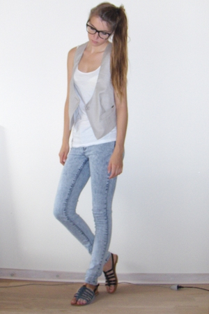 H&amp;M top - vest - jeans - Lemotion shoes