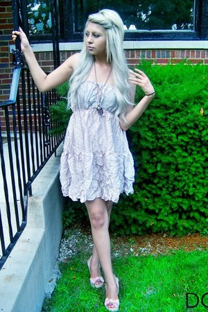 light pink dress - bubble gum diamond Forever21 necklace