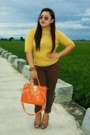 Mustard-gifted-blouse-carrot-orange-elements-bag-dark-brown-apartment-pants