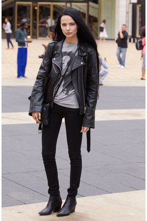 black leather jacket jacket - black bootie shoes - black skinzee jeans