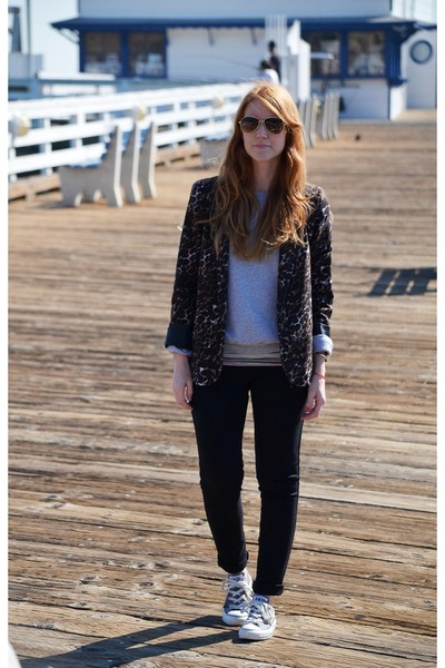 black Sanctuary leggings - dark brown leopard print blazer - peach bag