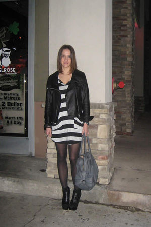 black Seventh Door dress - gray Seventh Door purse - black Victorias Secret jack