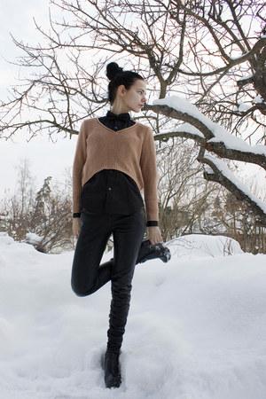 black GoJane shoes - light orange cropped BikBok sweater - black Comme des Garco