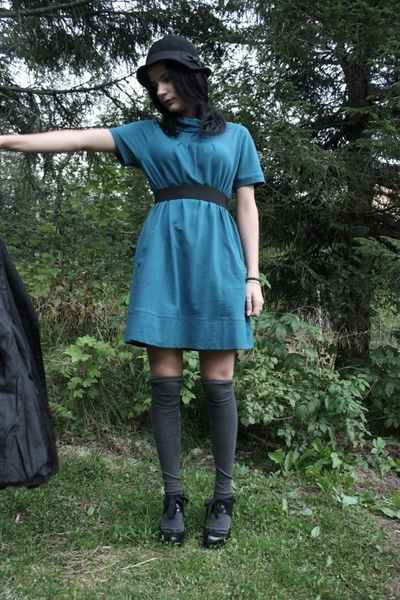 JSFN dress - lindex stockings - JSFN shoes - H&M hat - Cubus coat - DIY belt