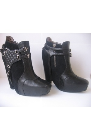 For Sale: The Covetable Sam Edelman ankle boot