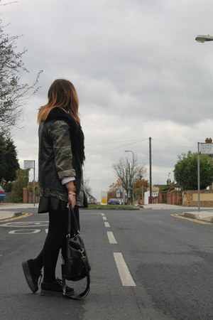 camo Topshop jacket - Office shoes - black pleather H&M bag - Topman t-shirt
