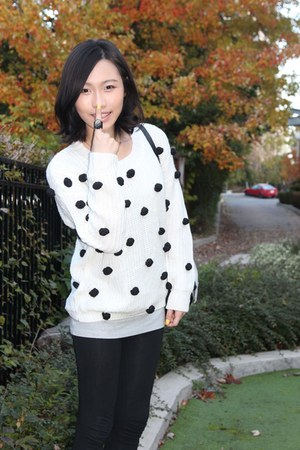 bbabbi sweater - Juicy Couture purse - black coach loafers