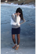 white Forever21 vest - heather gray Abercrombie sweater - gray vintage tights -