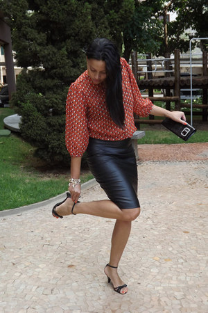 black leather sandals - black leather skirt - red cotton blouse