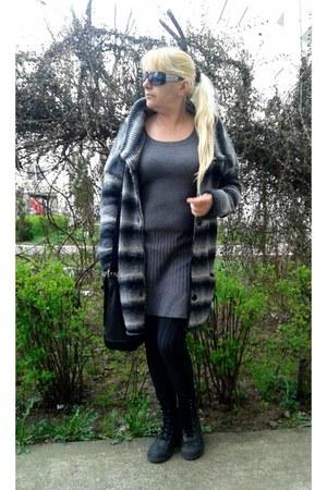 heather gray Gap cardigan