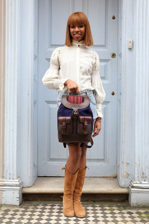 vintage boots - Beara Beara bag - lightwash denim Levis shorts