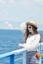 vintage blouse - Pimkie hat - real leather vintage bag - Bershka shorts