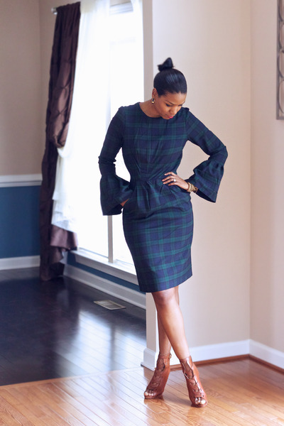 navy lantern sleeve DIY dress - brown lace-up Gianvito Rossi boots