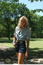 periwinkle Pine & Co shirt - navy high wasted Miley Cyrus shorts