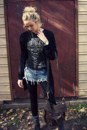 black concert The Pretty Reckless t-shirt - black darla Dr Martens boots