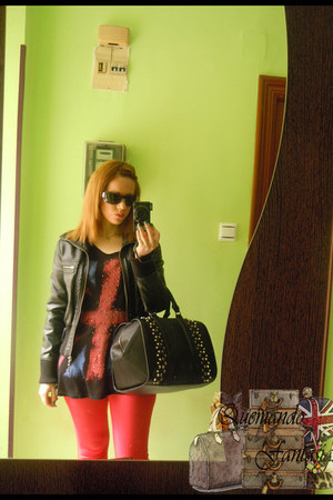 black Zara bag - red Bershka pants - black New Yorker t-shirt