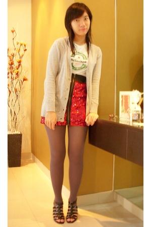 white heineken shirt - red glitz skirt - gray cardigan - gray Gaudi tights - bla