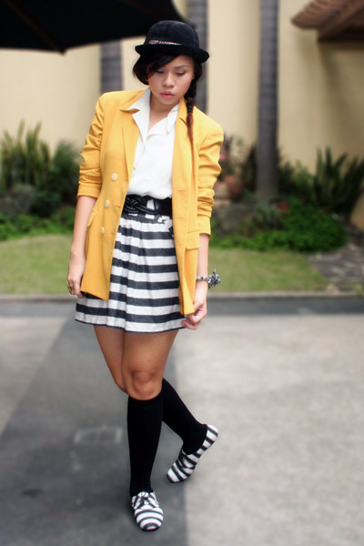 mustard Second Shop blazer - white Archive Clothing blouse - black Forever 21 sk
