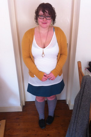 grey Urban Outfitters socks - white Primark vest - turquoise new look skirt