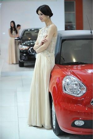 nude Coniefox dress