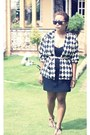 Black-tube-dress-thrifted-vintage-blazer-wayfarer-sunglasses-grendah-flats