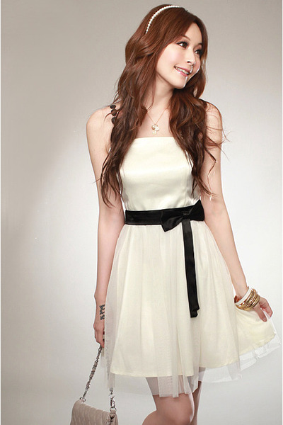 ivory dress - beige bag - black belt