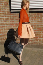 peach skirt - black bag - tawny top - dark brown flats