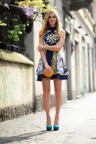 navy dress - gold bag - turquoise blue heels