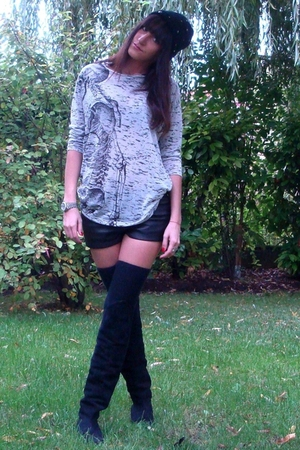 Zara t-shirt - H&amp;M shorts - Zara accessories - vintage boots