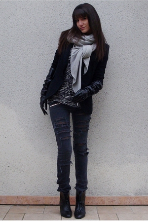 black Zara blazer - black Zara top - black H&M boots - gray DIY jeans - beige sc