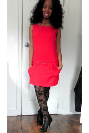 Charlotte Russe tights - Forever 21 dress