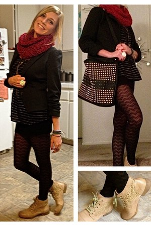 black blazer - tan ankle Roxy boots - red knit scarf - studded bag