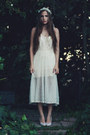 White-accessories-ivory-slip-dress-vintage-intimate-ivory-pumps