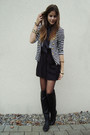 Black-skirt-white-shirt-black-boots-blazer-black-tights