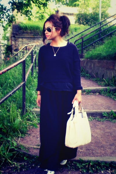 Converse shoes - BikBok bag - Ray Ban glasses - BikBok skirt