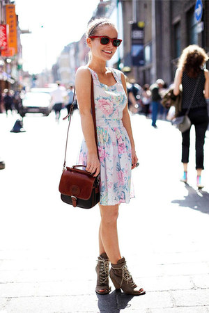 brown and black Bershka bag - flower detail Zara dress - brown Zara heels
