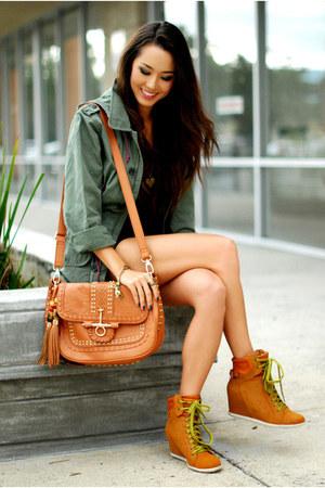 tawny bag