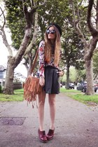 brown bag - black skirt