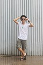 Forest-green-cargo-wrangler-shorts-gray-converse-glasses