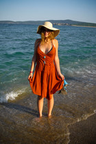 burnt orange Miss Selfridge dress - beige straw hat Mohito hat