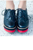 black creepers shoes