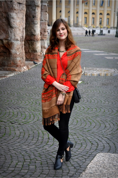 bronze H&M scarf - black boots - black Stradivarius jeans - red H&M blouse