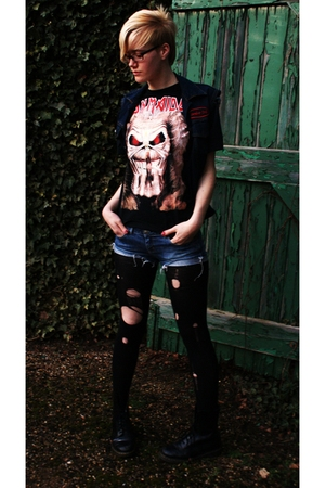 black IRON MAIDEN t-shirt