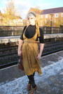 Brown-charity-shop-boots-black-thermal-george-tights