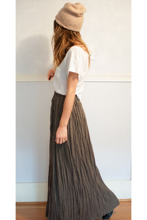 maxi skirt bluepea skirt - beanie Urban Outfitters hat - hm t-shirt